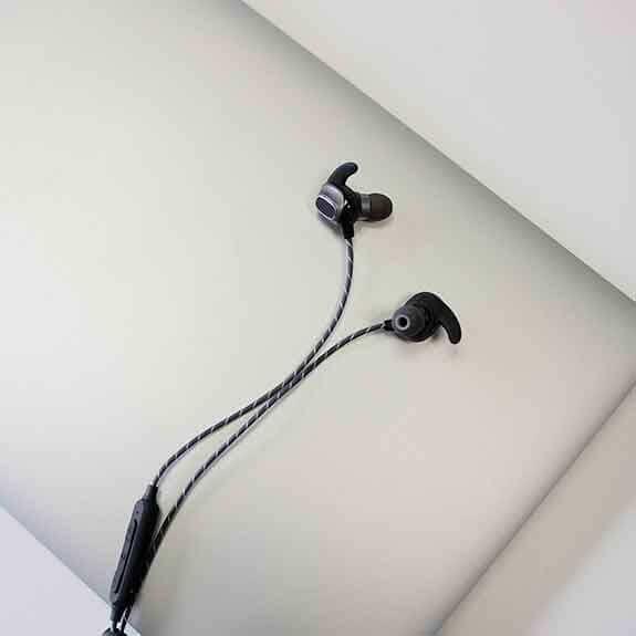 Magnussen Auriculares M4 Black