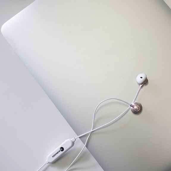 Magnussen Auriculares M6 White