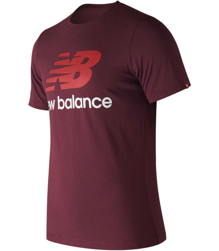 New Balance Essentials Stacked Logo NBY New Balance Camisetas Lifestyle Lifestyle Tallas: s, l; Color: granate