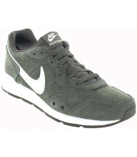 Nike Venture Runner 300