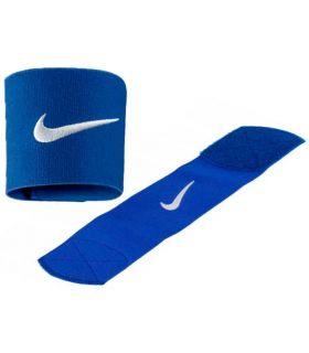 Nike holding Nike Guard Stay II 498 - Shin guards
